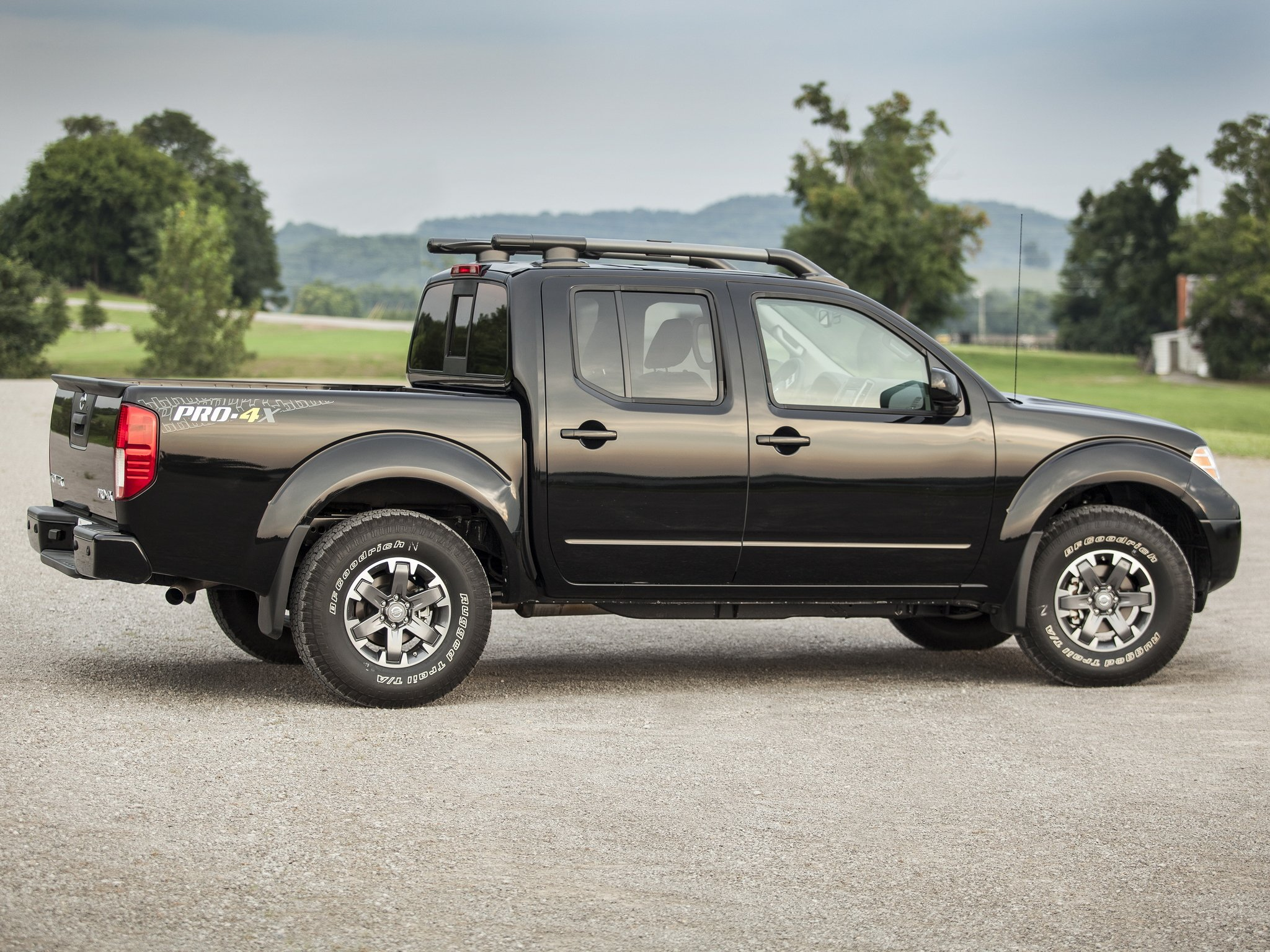 2009 nissan frontier pro 4x crew cab d40 pickup f wallpaper 2048x1536 267971 wallpaperup. Black Bedroom Furniture Sets. Home Design Ideas
