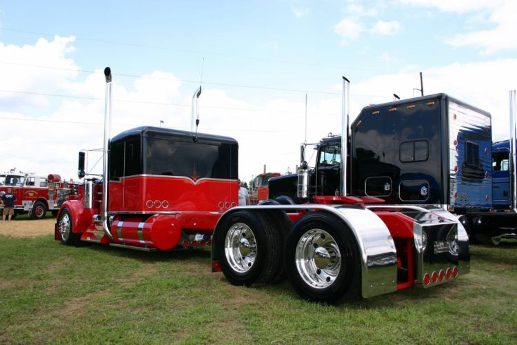 "1981 Kenworth W900A ""STREET ROD EXTREME"" wallpaper"