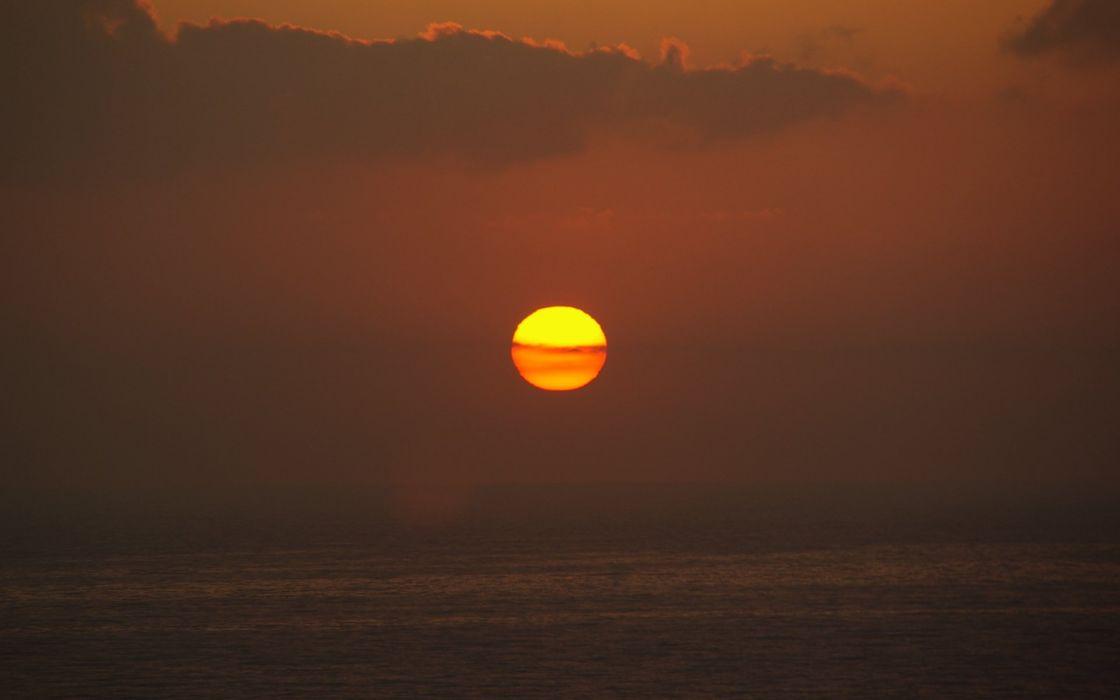 Sun Apocalypse Now sea wallpaper
