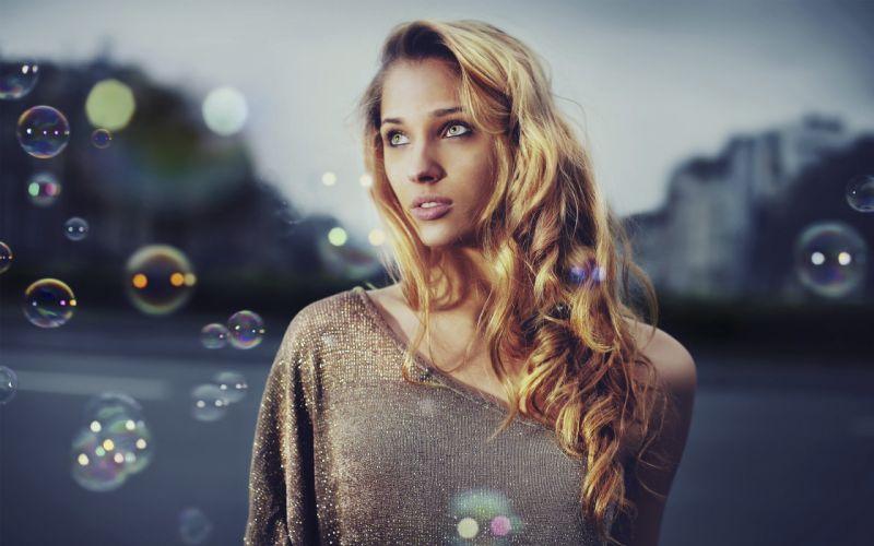 blondes women bubbles green eyes curly hair wallpaper