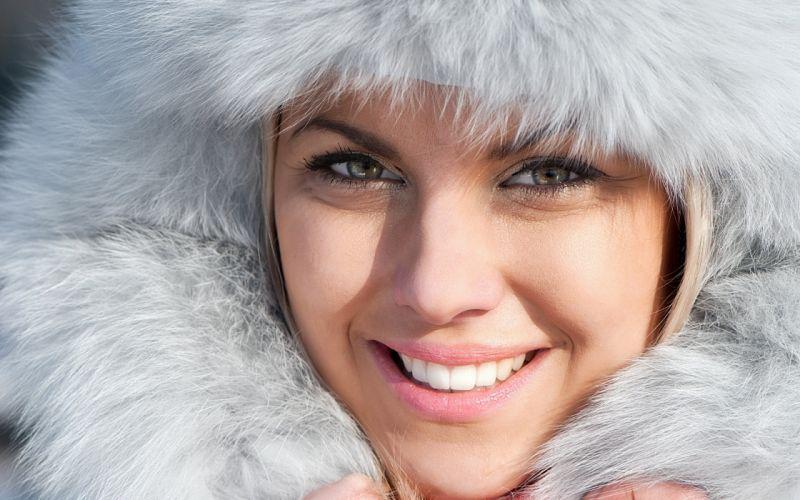 women blue eyes models smiling faces fur hats wallpaper