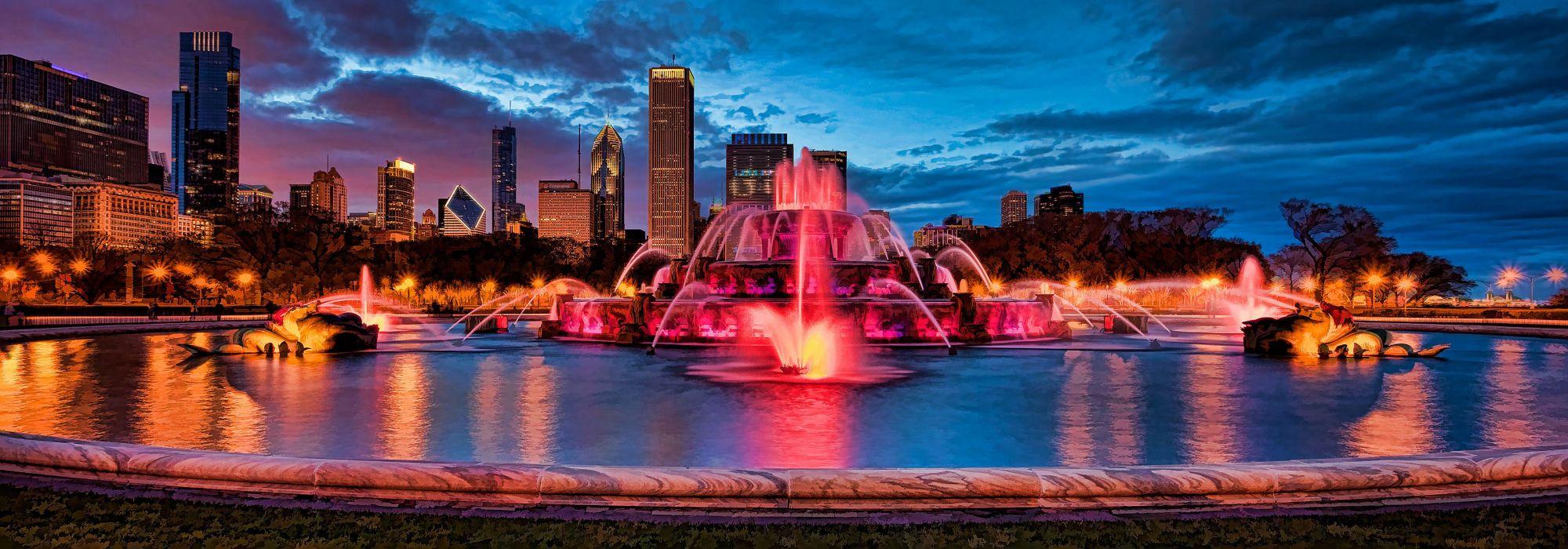 Buckingham Fountain illuminated at dusk Chicago wallpaper
