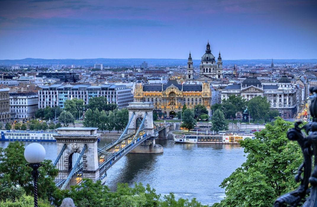 Budapest Hungary a city bridge wallpaper