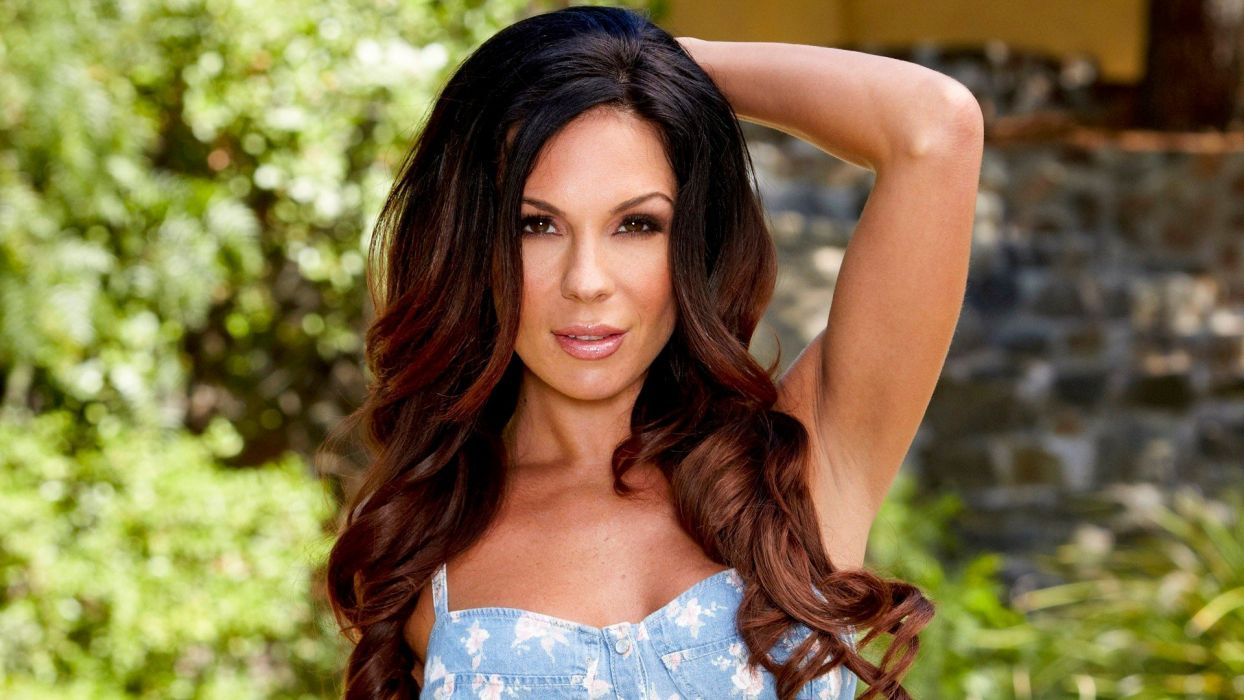 e Kirsten Price adult sexy babe brunette       f wallpaper