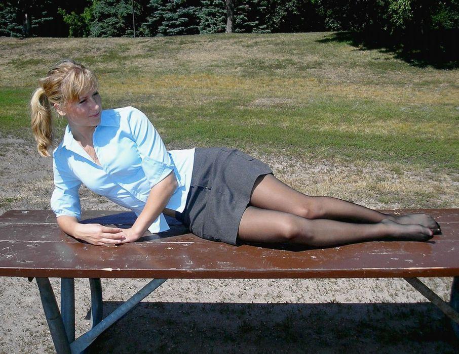 field pantyhose stocking tights nylon sexy babe blonde   hf wallpaper