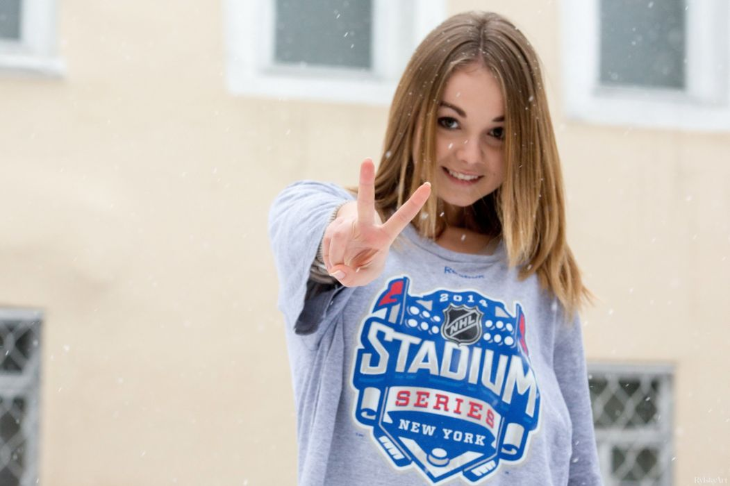 girl blonde model shirt snow gesture beauty mood french knight wallpaper