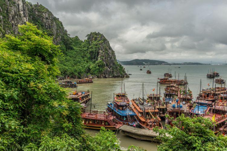 Halong Bay Vietnam landscape wallpaper