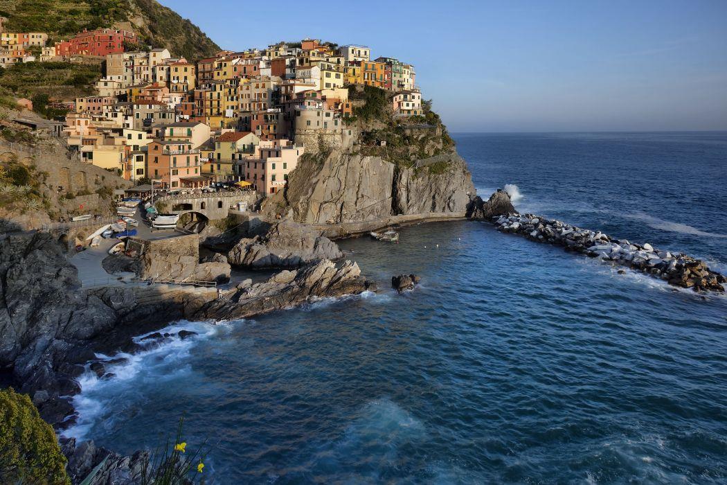 Manarola Cinque Terre region Italy    g wallpaper