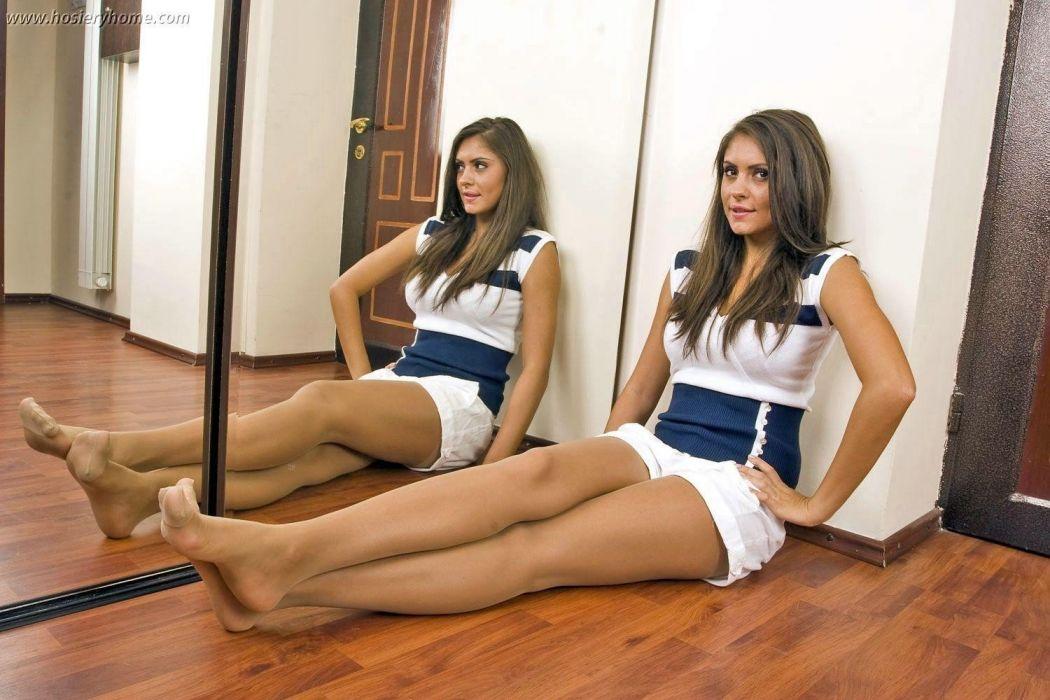mirror reflection pantyhose stocking tights nylon sexy babe wallpaper