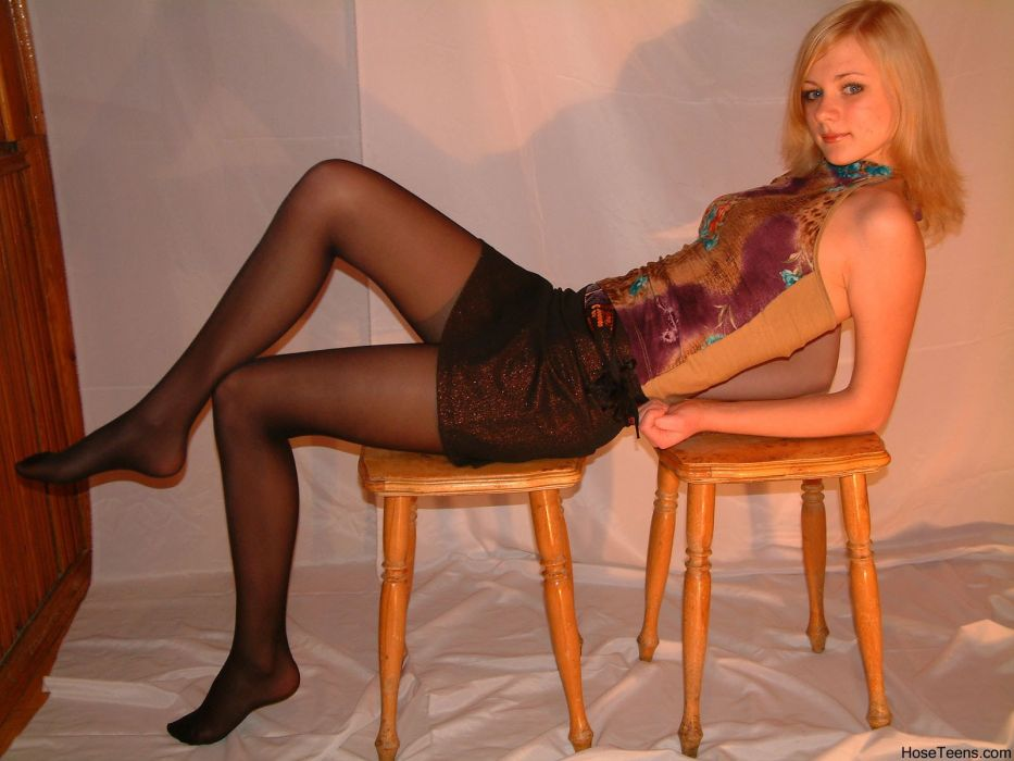 pantyhose stocking tights nylon blonde sexy babe      f wallpaper
