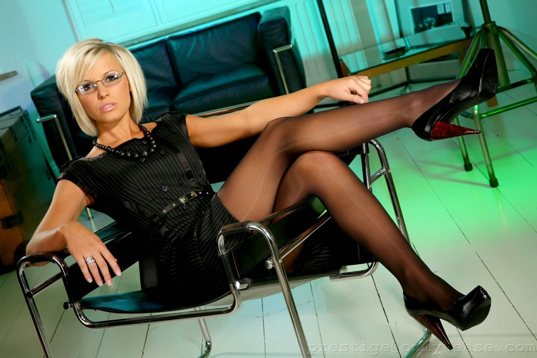 Rachael Tennant Blonde girl Glasses Legs Stilettos Pantyhose Girls sexy babe wallpaper