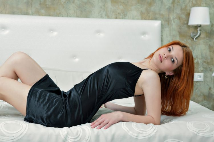 violla a girl model red dress black pearl bed beauty redhead sexy babe wallpaper