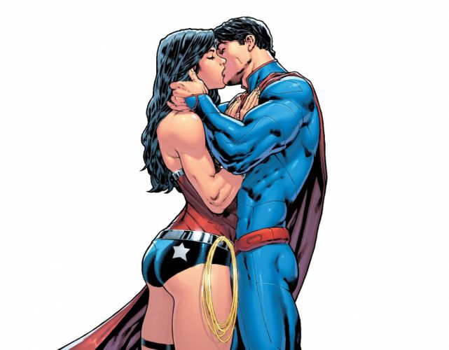 Wonder Woman DC Kiss Superman White wallpaper
