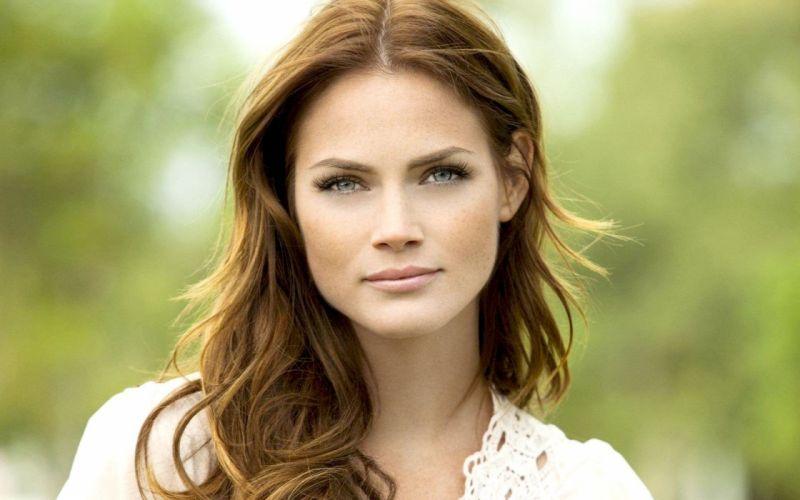 brunettes women blue eyes actress Mini Anden models wallpaper