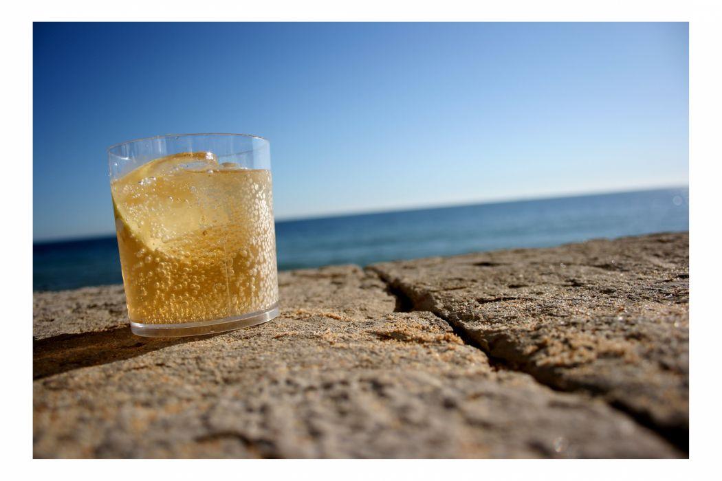 drink-beach-ssoosay-1111298-o wallpaper