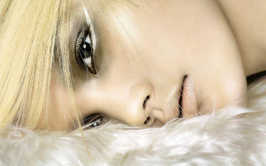 blondes women models eye make-up wallpaper