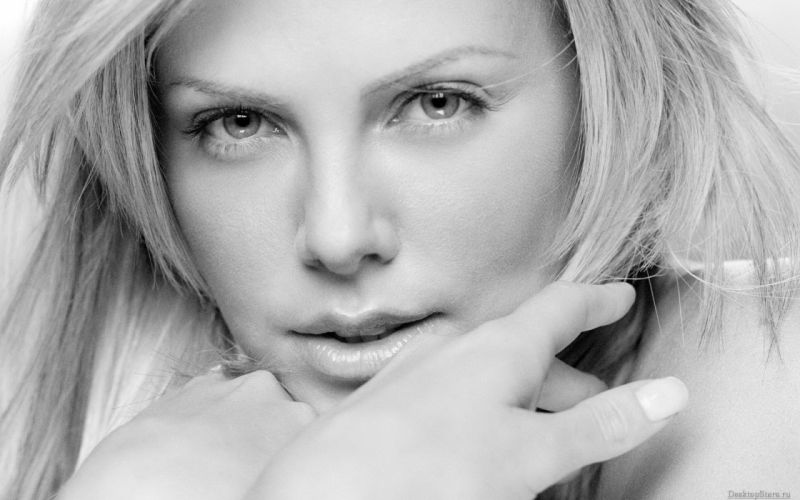 blondes women actress models Charlize Theron monochrome faces wallpaper