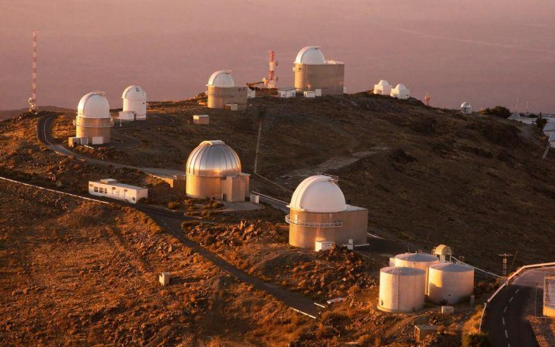 Chile telescope observatory South America European Southern Observatory Atacama Desert wallpaper