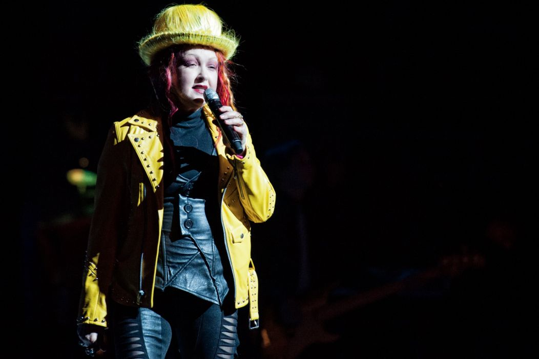 CYNDI LAUPER pop dance new wave glam concert wallpaper