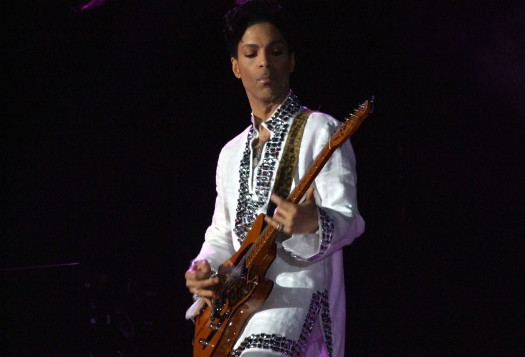 PRINCE singer r-b pop concert guitar wallpaper