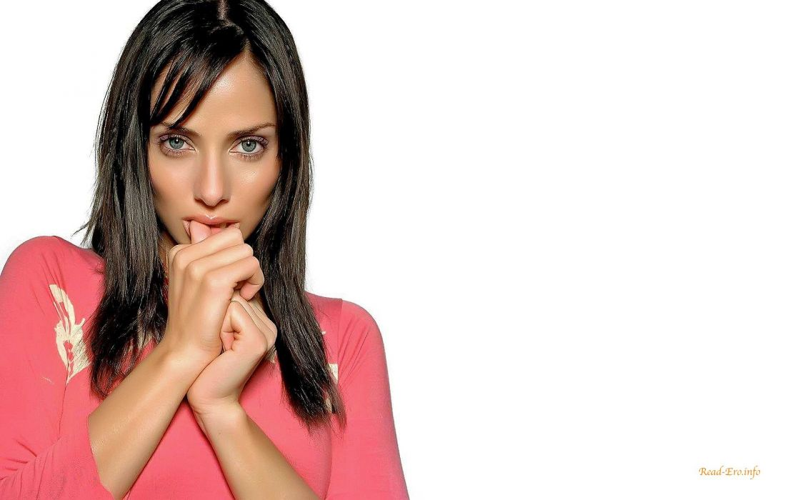 women actress Natalie Imbruglia singers white background wallpaper