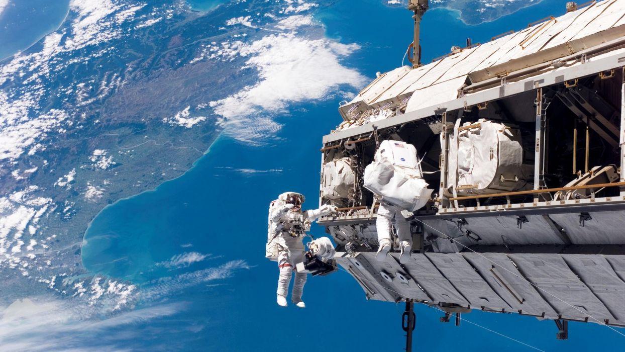 astronauts wallpaper
