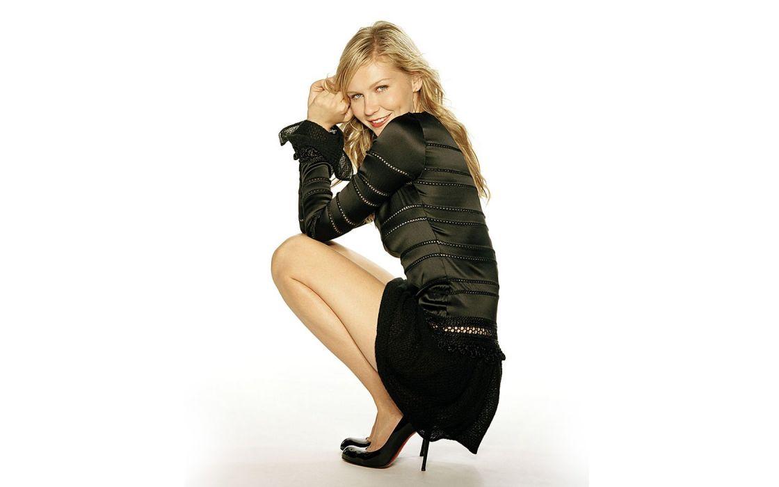 Kirsten Dunst high heels wallpaper