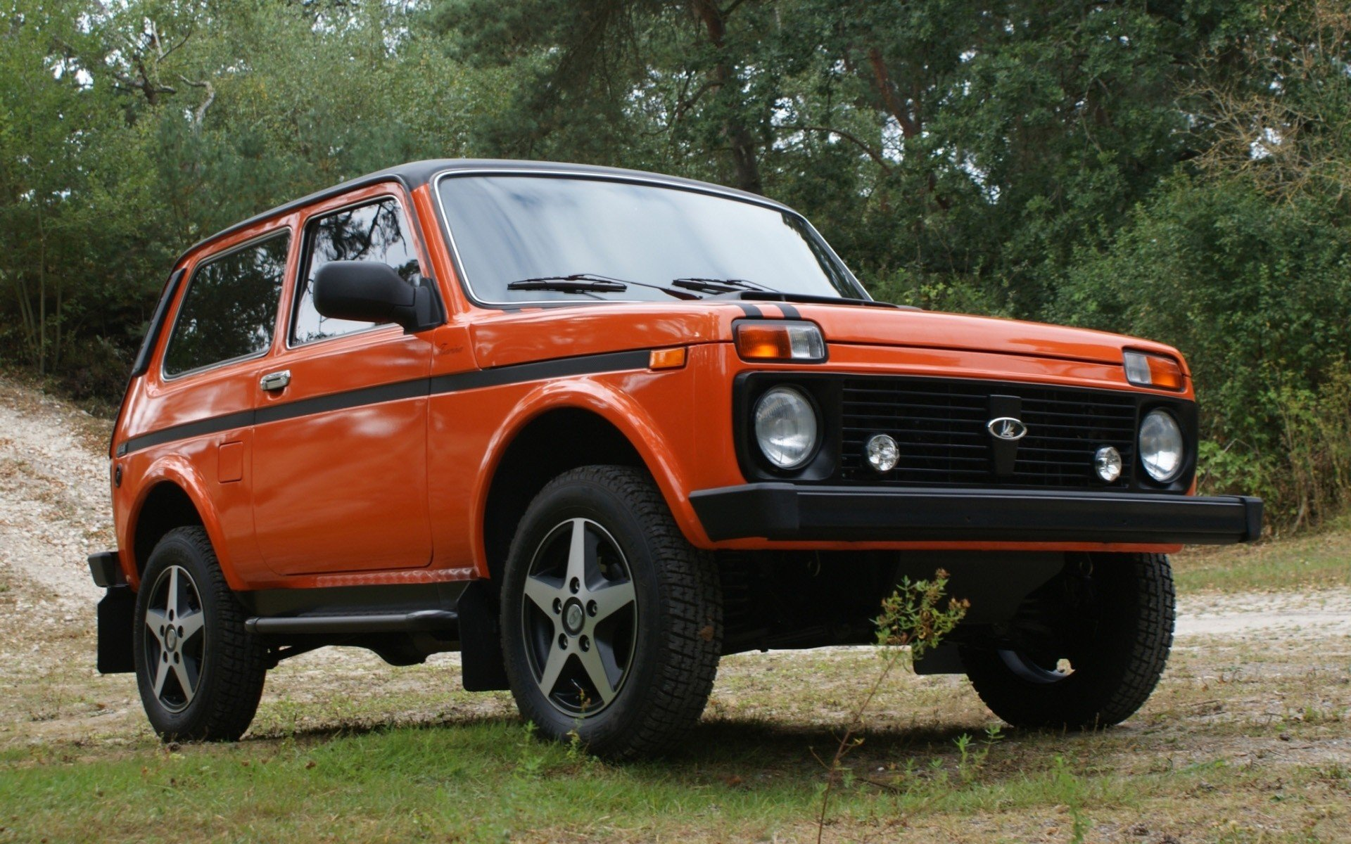 cars lada 2121 niva russian cars wallpaper 1920x1200 285555 wallpaperup. Black Bedroom Furniture Sets. Home Design Ideas