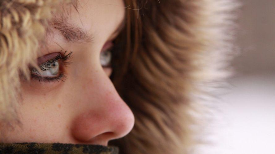 winter green eyes Alina wallpaper