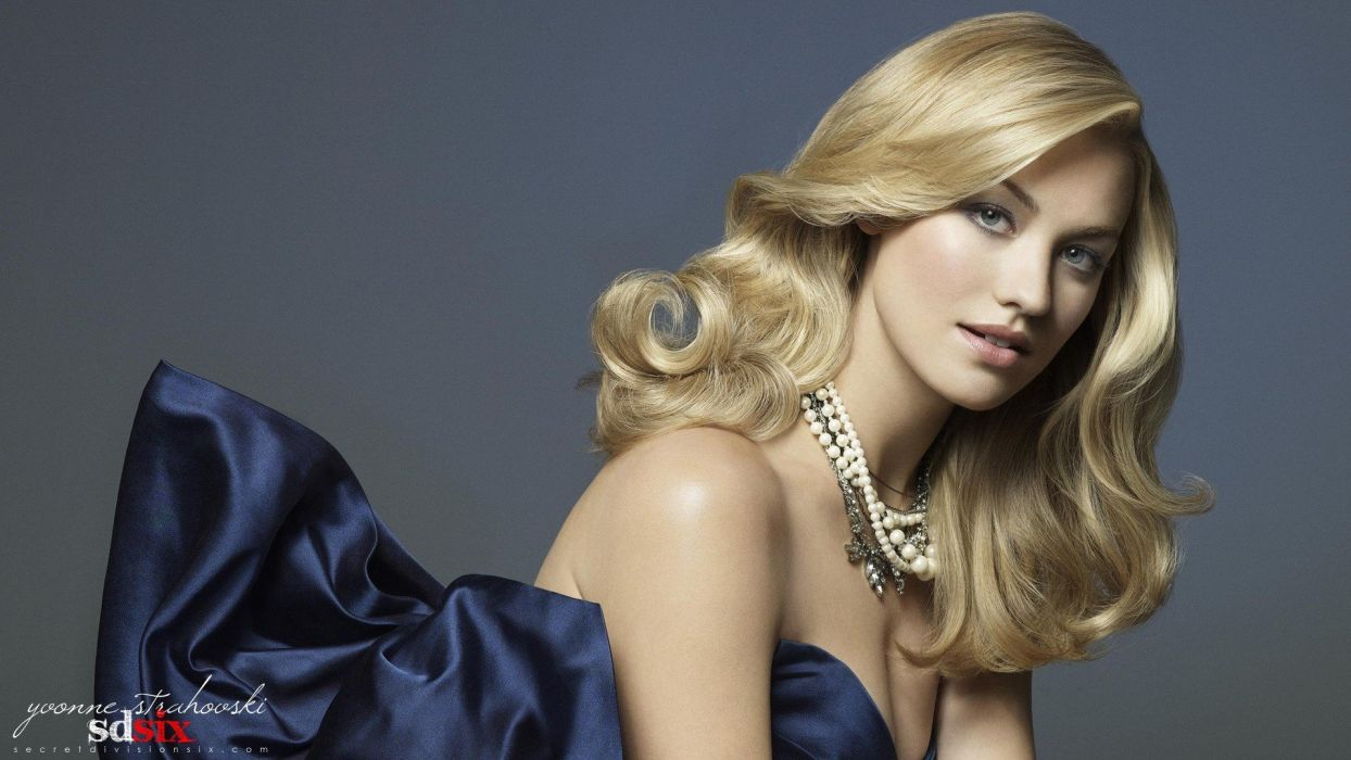 blondes models Yvonne Strahovski necklaces wallpaper