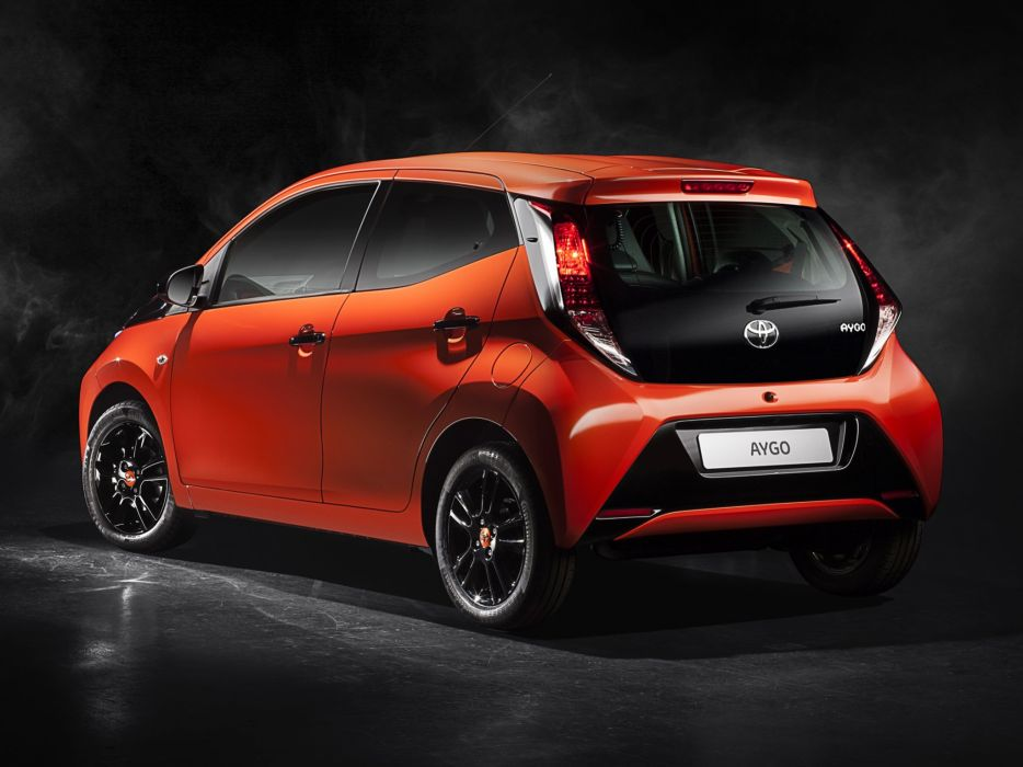 2014 Toyota Aygo 5-door   g wallpaper
