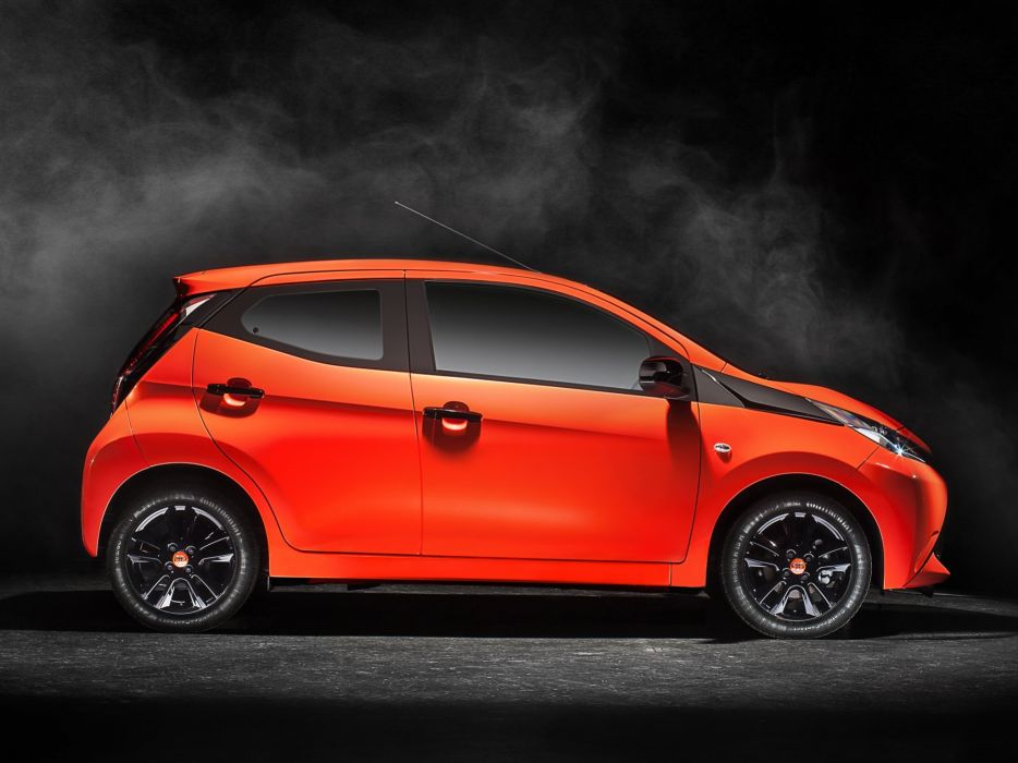 2014 Toyota Aygo 5-door   t wallpaper