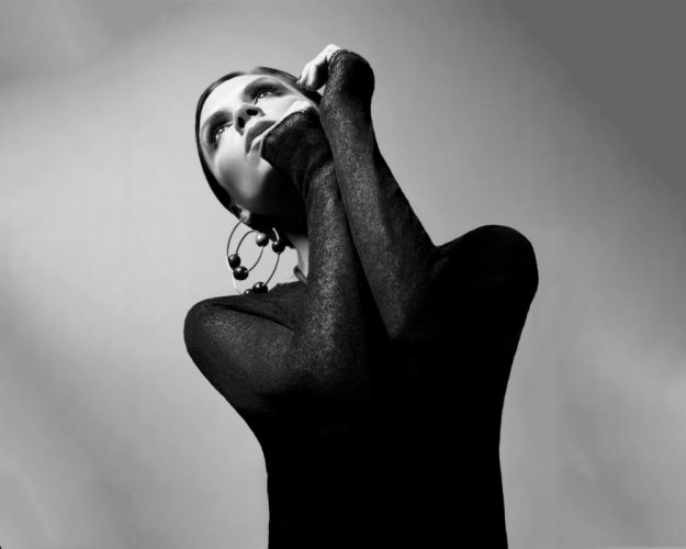 women fashion celebrity grayscale Victoria Beckham earrings fashion photography looking up wallpaper