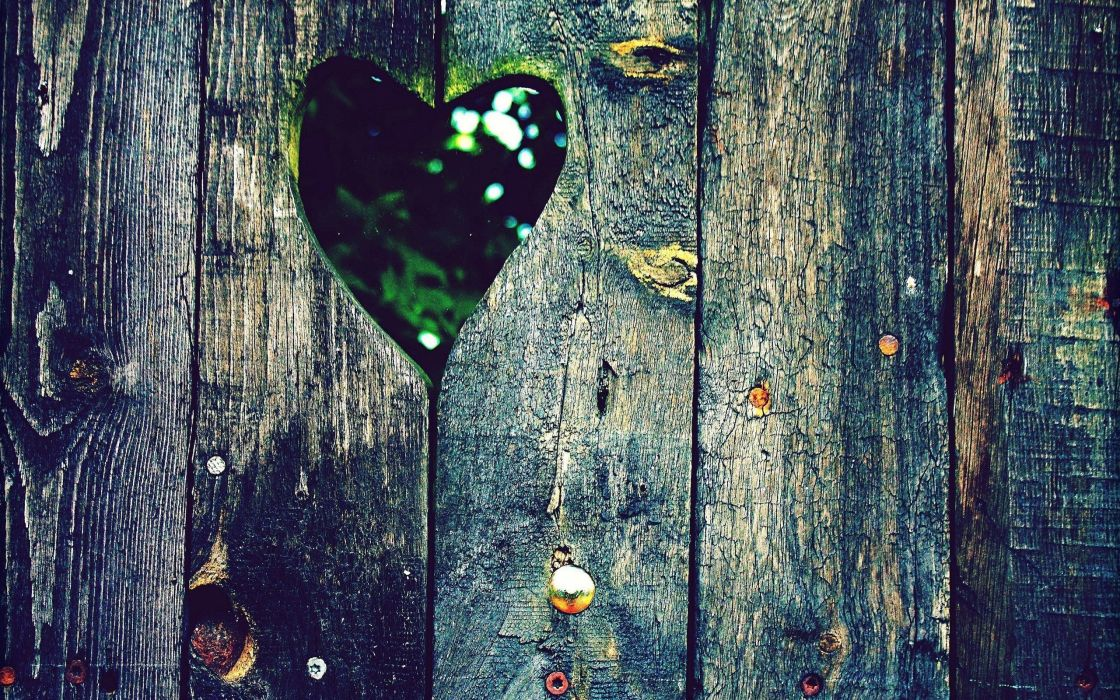 love fences wood holes hearts wallpaper
