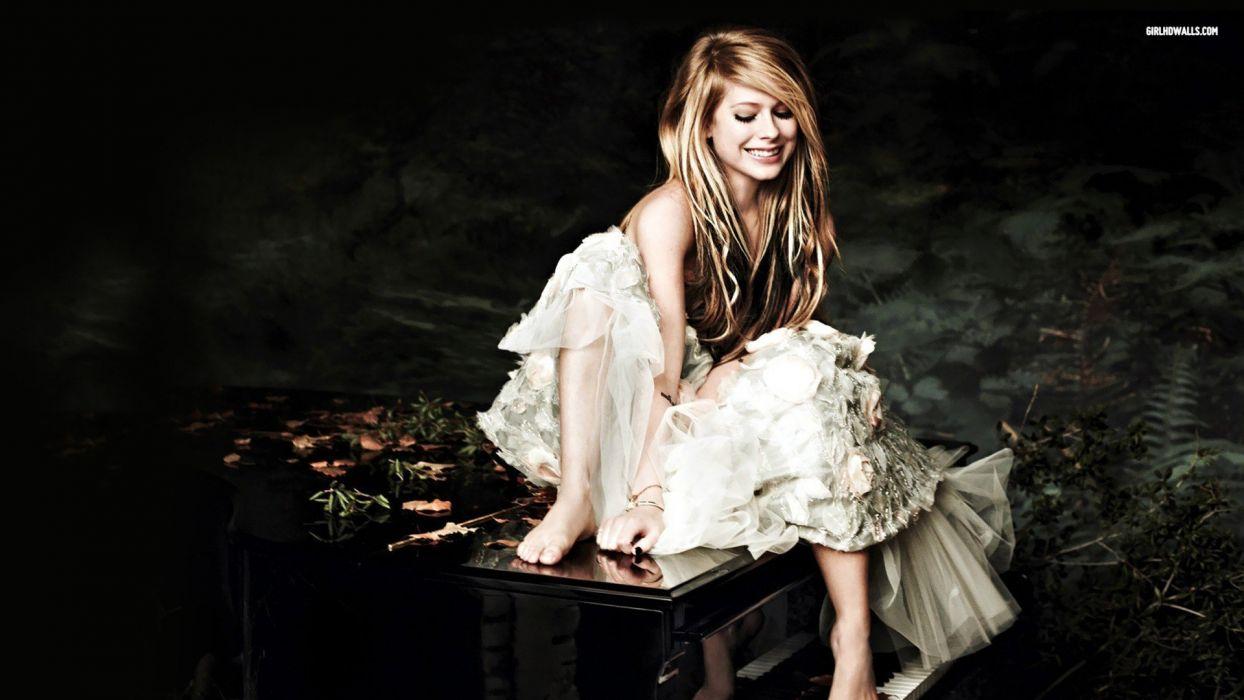 blondes women Avril Lavigne wallpaper