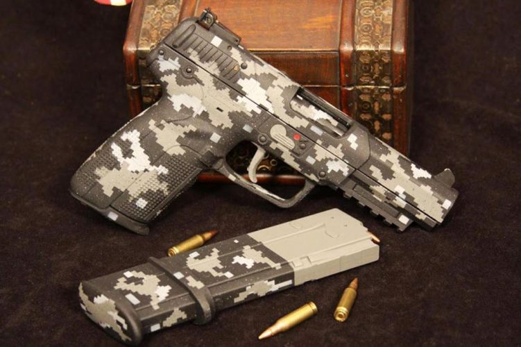 Camouflage and beauty gun wallpaper
