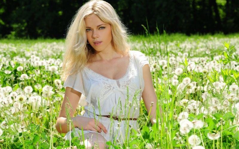 Blondes Women Flowers Models Fields Met-Art Magazine White Dress Girls In Nature -9305