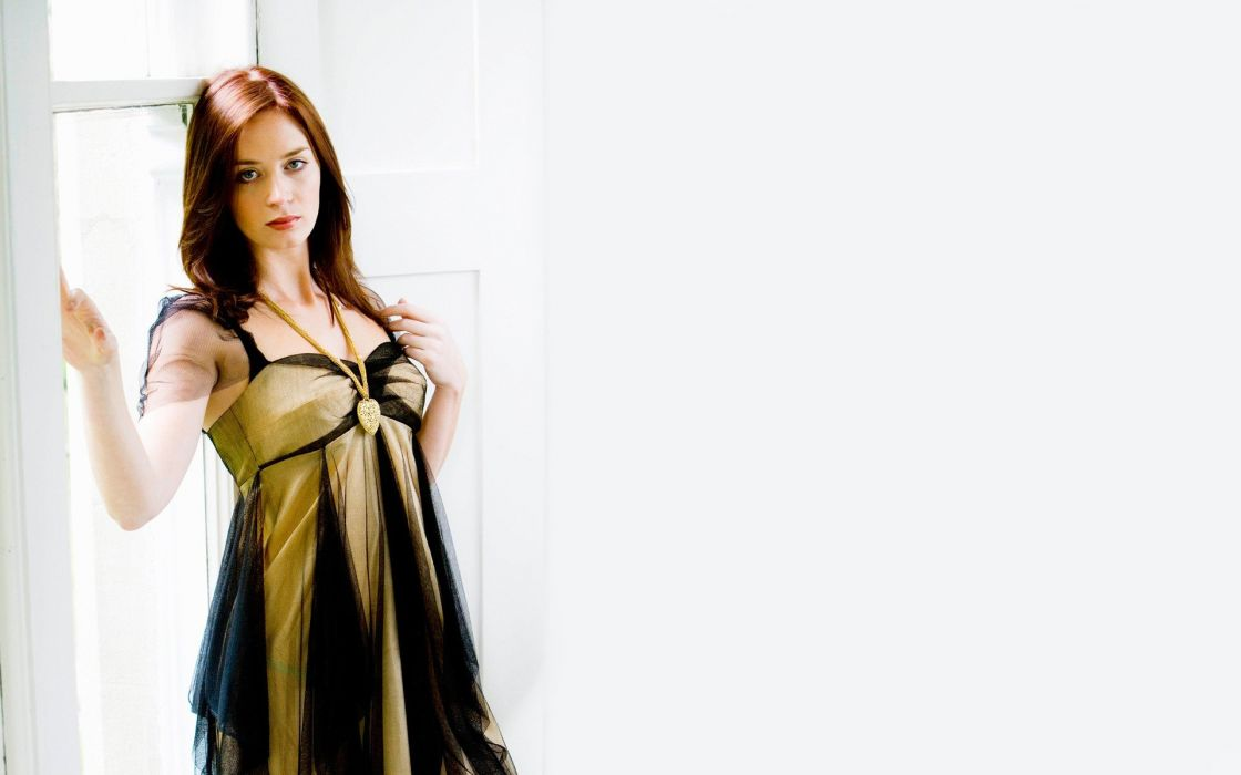 brunettes actress Emily Blunt wallpaper