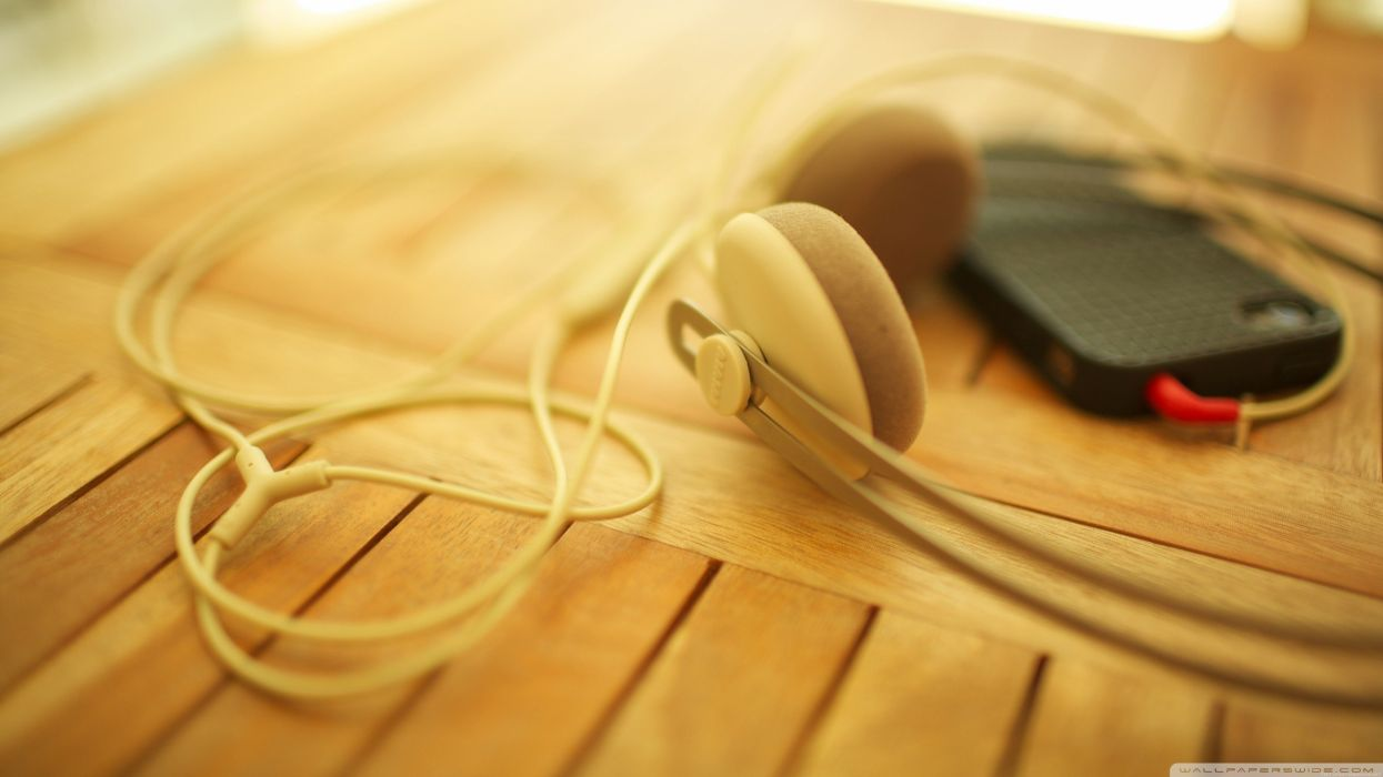headphones music sound iPhone clean wallpaper