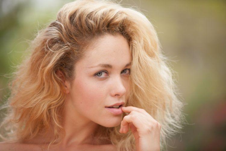 Alissa White blonde girl model beauty wallpaper