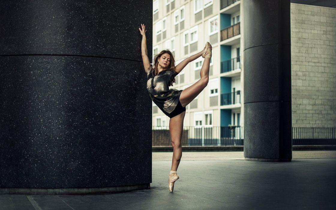 pose dance girl mood wallpaper