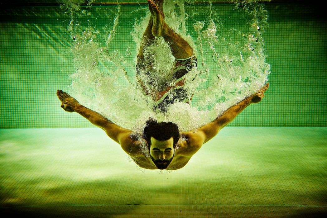 water pool spray pool men man sport swim swimming underwater wallpaper