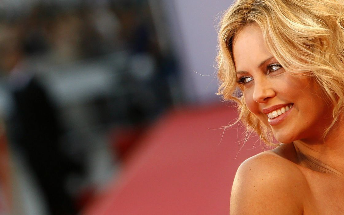 women actress Charlize Theron wallpaper