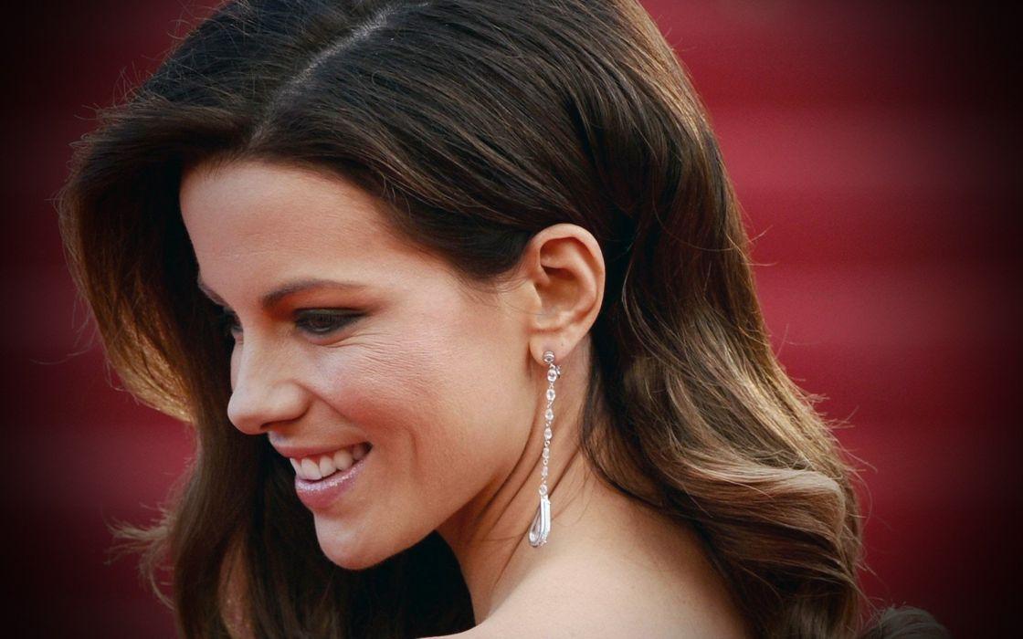 brunettes women actress Kate Beckinsale faces wallpaper