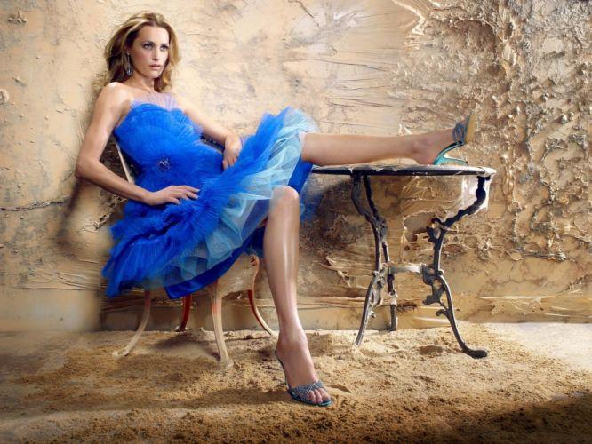 women dress Yasmin Le Bon wallpaper
