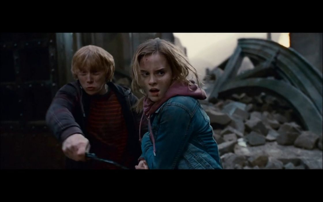 Emma Watson Harry Potter screenshots Harry Potter and the Deathly Hallows Rupert Grint Hermione Granger Ron Weasley wallpaper