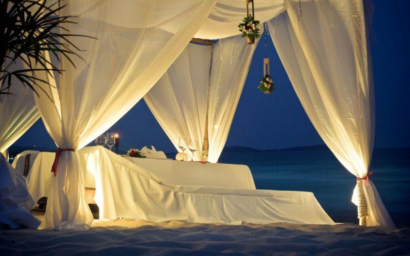 light beds wallpaper