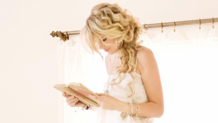 blondes women Taylor Swift celebrity books wallpaper