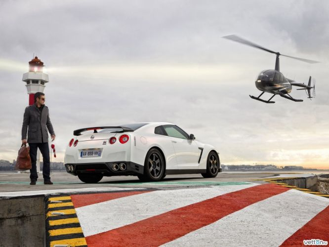 helicopters cars vehicles Nissan GT-R R35 wallpaper