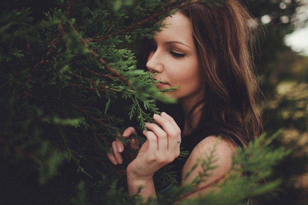 brunettes women models vampire Emma Sabjan wallpaper